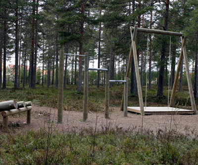 Torgny Nilsson, Dysfunctional Outdoor Gym, 2004